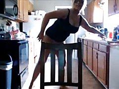 Kelly Nicole webcam cum