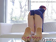 Trans amateur twirling her lovely toes