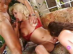 Gia Darling in Threesome