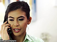 Trans Latina Jessy Dubai Punished her Female Assistant