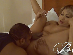 Bella Sinatra bangs a black guy