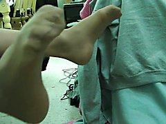 Stocking feet wiggle