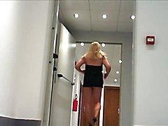 Asija Robin's in: nei corridoi di albergo