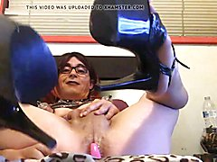 Stable Slut Riann - shows her sissy pussi