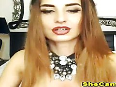 Super Hot sexy Shemale Making a Hot scenes live on cam