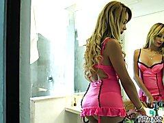 Underwear t-girl beauty filmed behind the scenes
