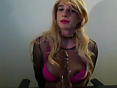 Webcam session pt2 : Swallowing BBC sextoy