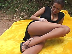 Tran fucks chick in the woods