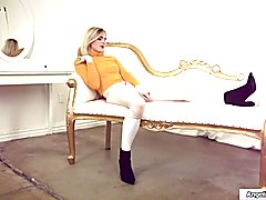 Blond teeny trans likes her man strong and stiff.