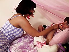 Tranny roleplaying a chick