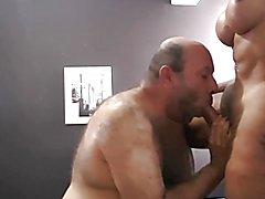Ladyboy enormous comendo o viadinho  ts  jhully juju anaconda