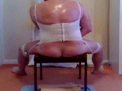 Amateur crossdresser has fun with a dildo